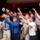 Поймал подвязку невесты на свадьбе – что это значит?