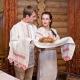 Рушник на свадьбу: особенности, виды и советы по выбору
