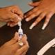 Клей для ногтей: виды, правила подбора и использования