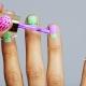 Особенности маникюра с полосками-лентами на короткие ногти