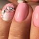 Особенности розового маникюра на короткие ногти