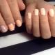 Варианты лунного маникюра на короткие ногти
