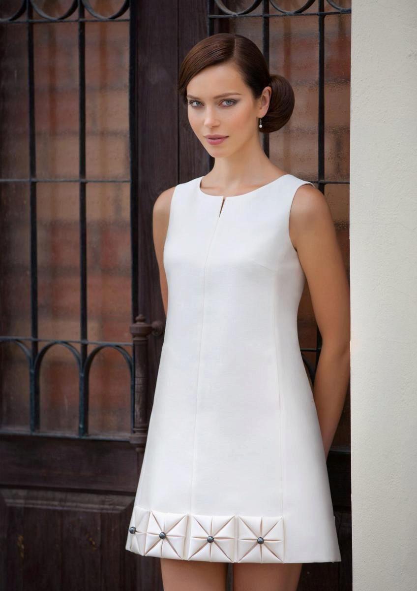 654fd8a33b8 Короткие свадебные платья  плюсы