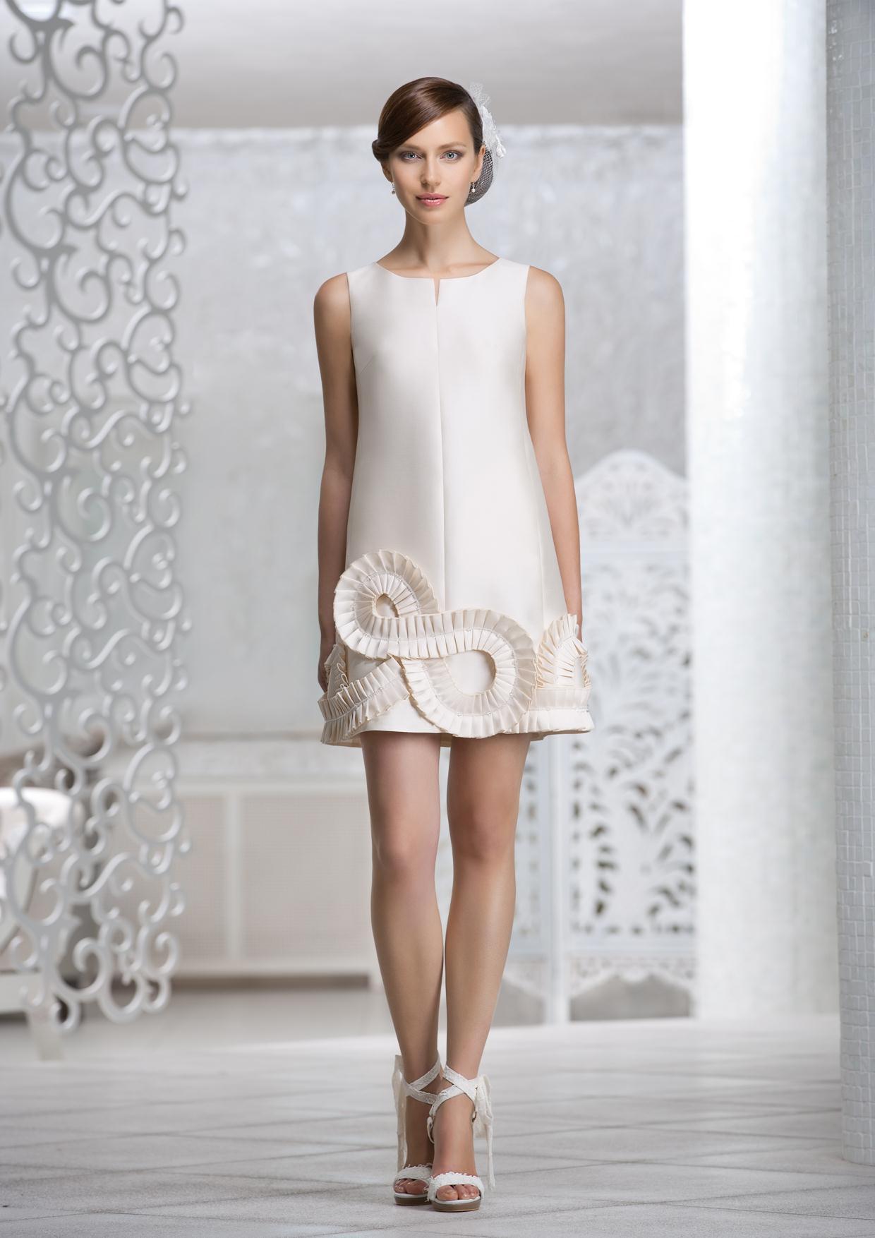 Картинки по запросу Платье, которое прилипает к спине