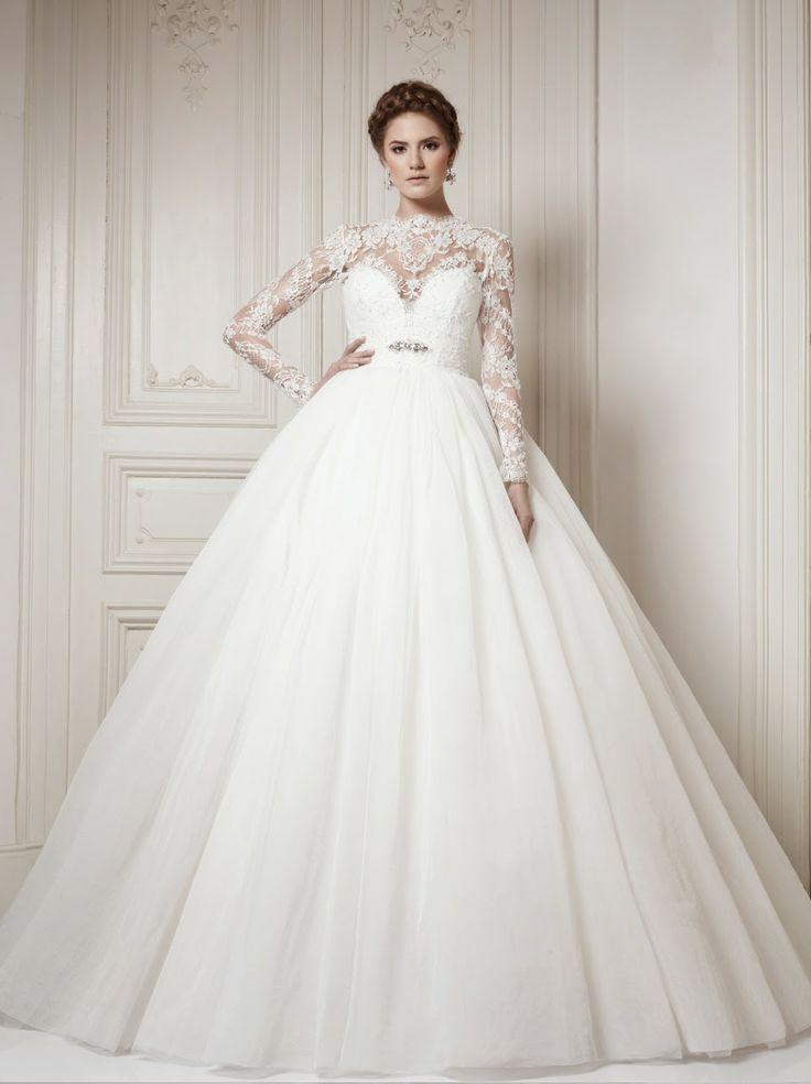 Конечно же первое свадебное платье для беременных, которое пришлось по душе, брать не стоит. Равно как и модели с большим количеством рюшей