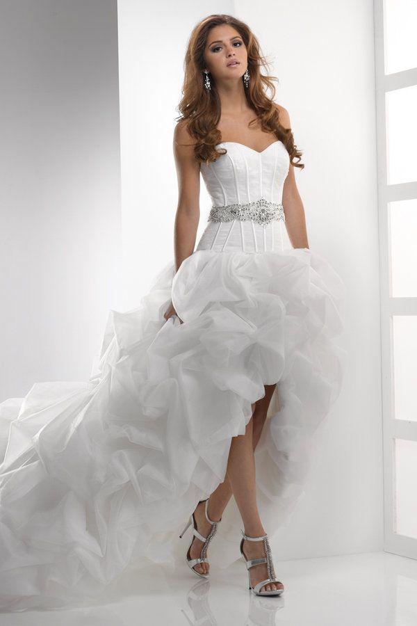 8a028b608137f24 Свадебное платье с пышной юбкой и шлейфом. Свадебное платье от Зухаира  Мурада короткое. Свадебное платье короткое спереди и длинное сзади