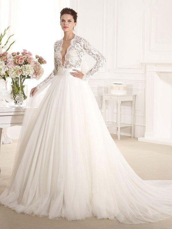 Длинные свадебные платья с вырезом