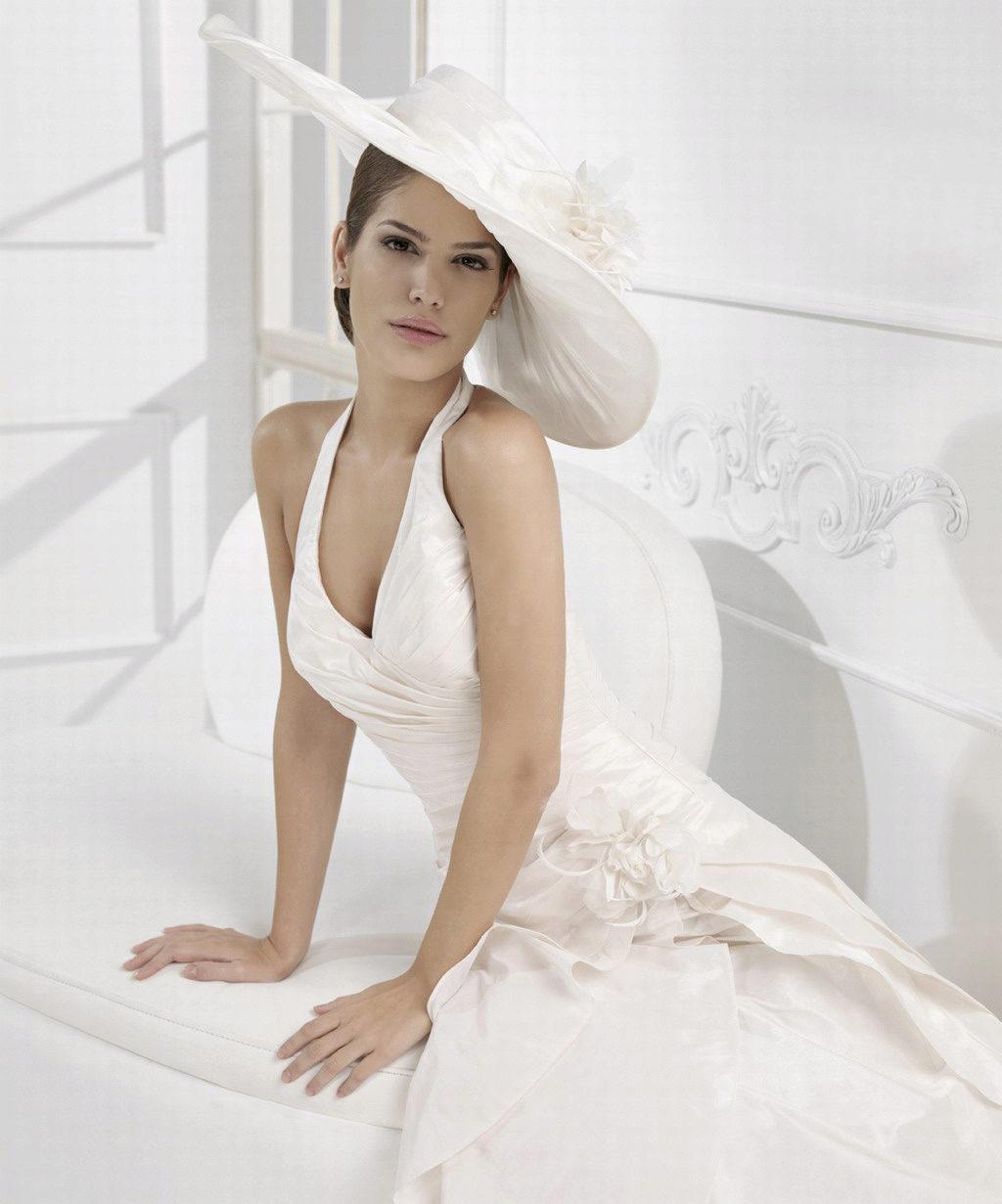 платье с шипами это модно