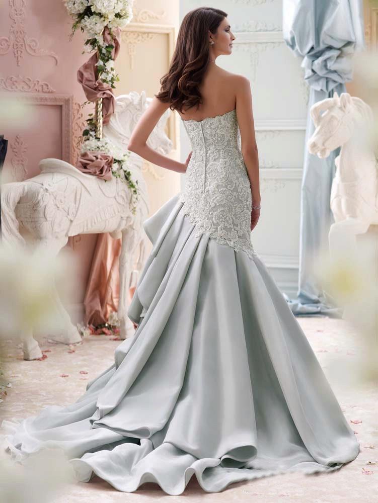 Платье свадебное в белом цвете