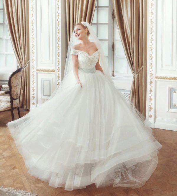 Свадебное платье многослойная юбка
