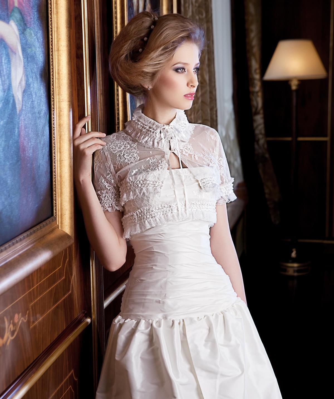 Свадебные платья с закрытым верхом: с кружевом, закрытым декольте