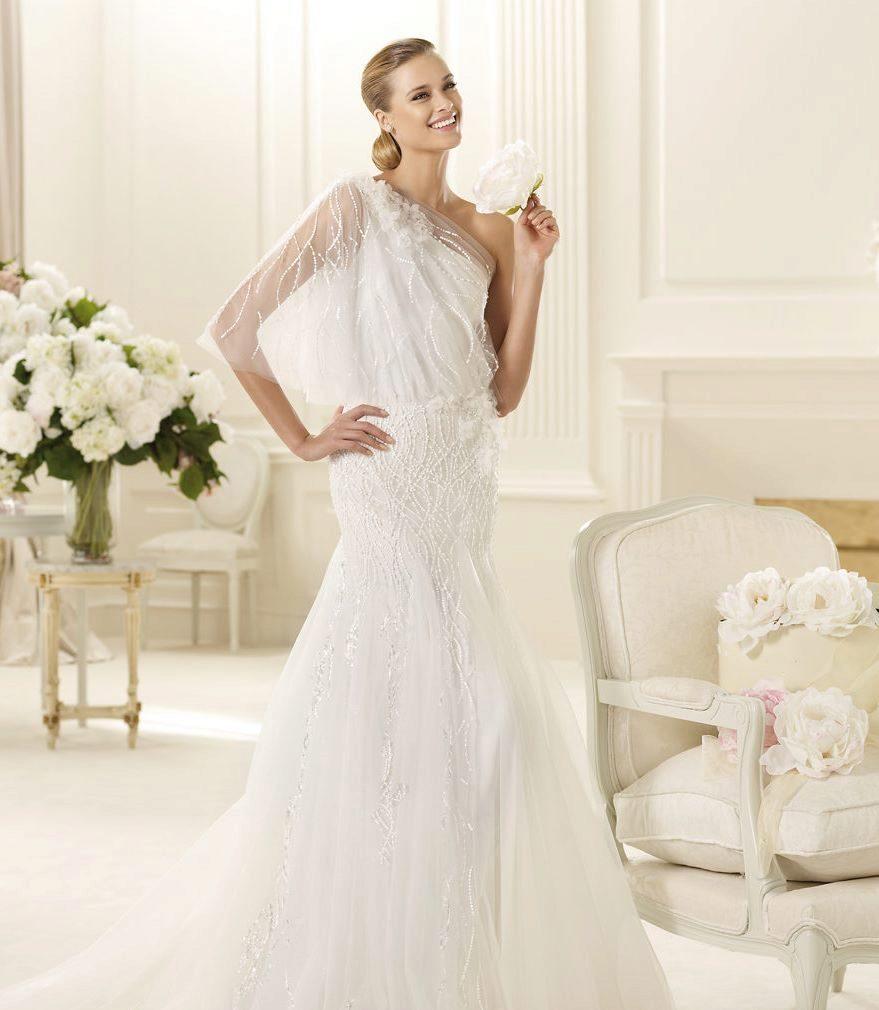 Свадебное пышное платье на одно плечо