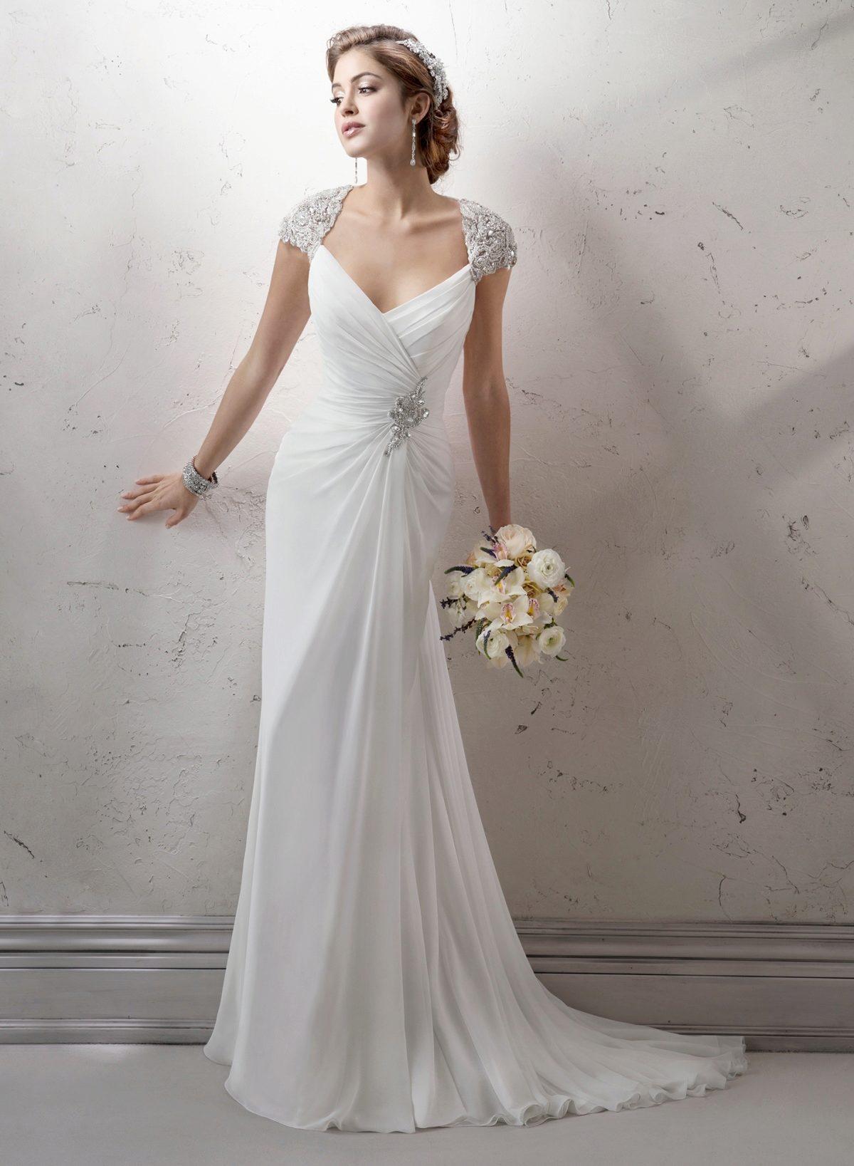 Чем прикрыть плечи в свадебном платье
