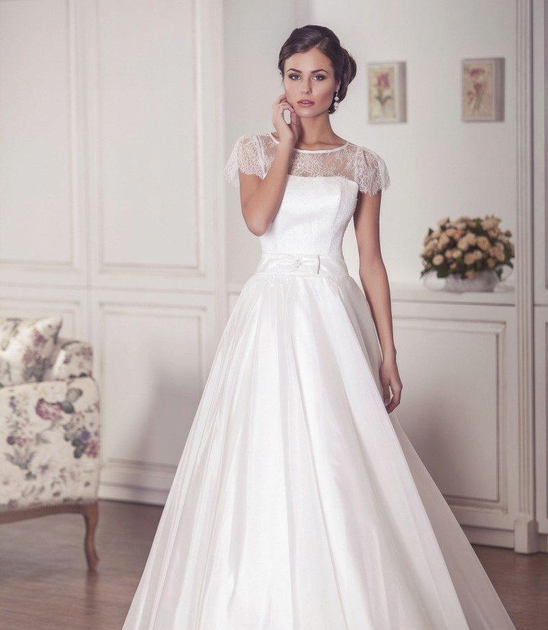 Свадебные закрытые платья с кружевами