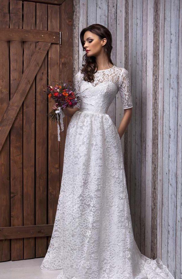 Свадебное кружевное закрытое платье