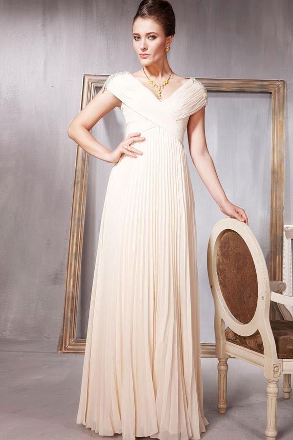 529fe873919 Вечерние платья для женщин 50 лет и старше  особенности выбора (31 фото)