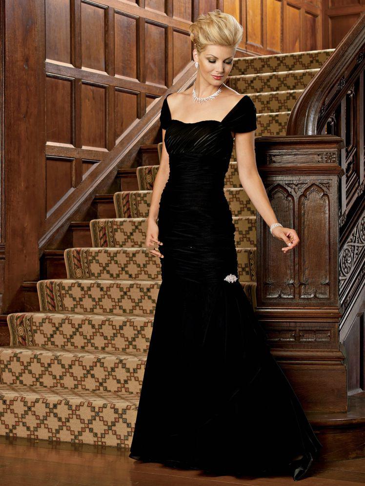 Вечерние платья с открытым плечом фото