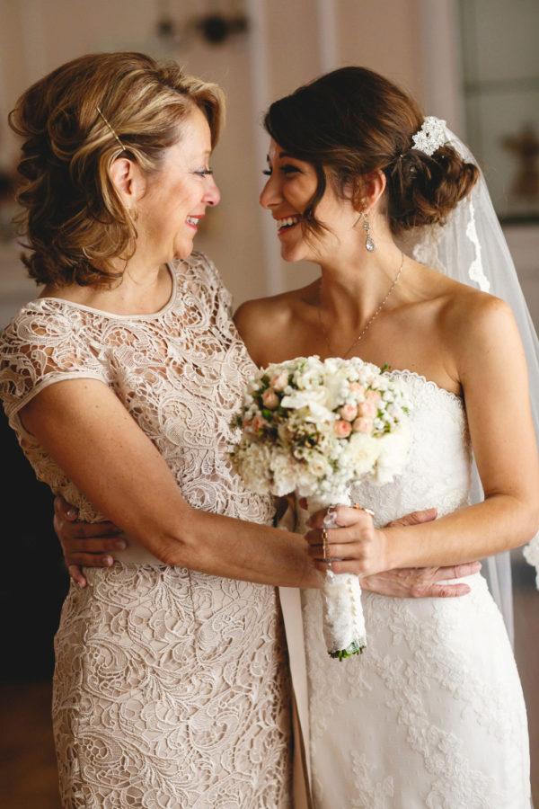 Под платьем невест фото
