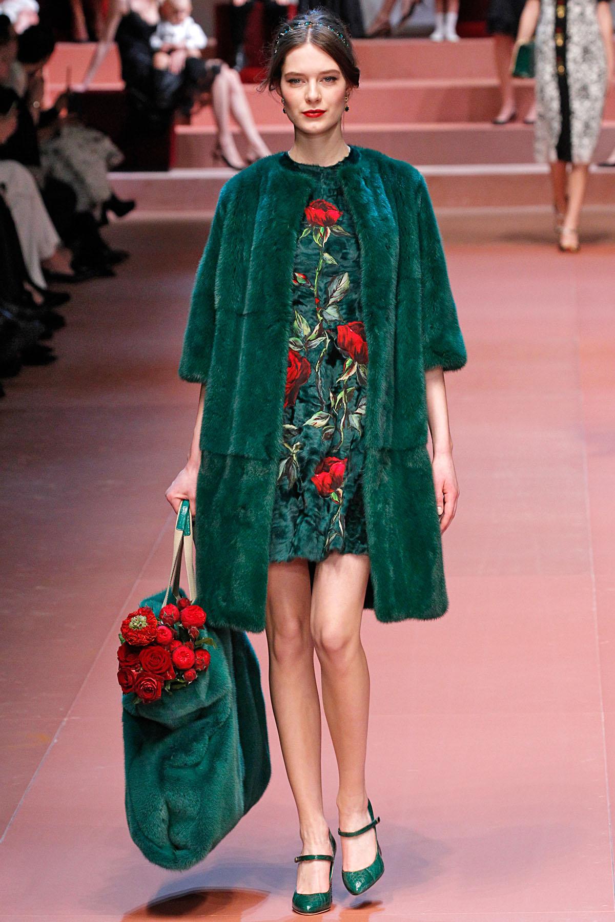 Платье дольче габана короткое зеленое платье