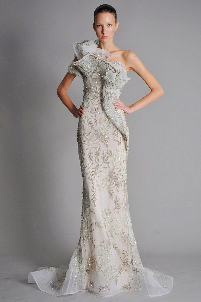 Белое платье белая