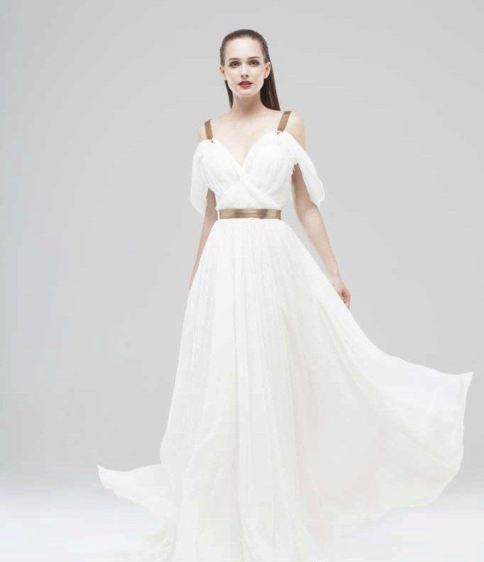 d1c5df0acbc5 Белое вечернее платье на бретелях в пол · Вечернее летнее платье белое