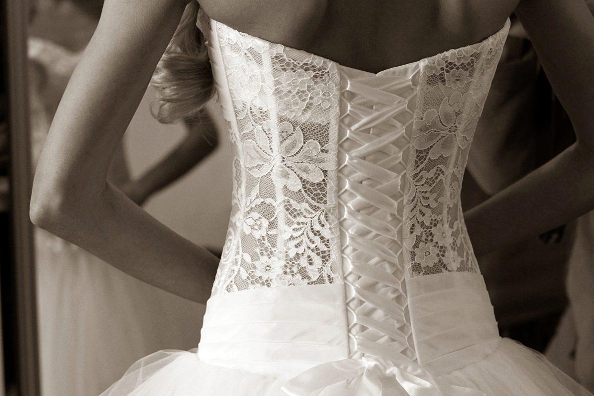 Корсет в свадебном платье