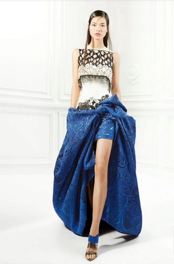 Макияж и маникюр для синего платья