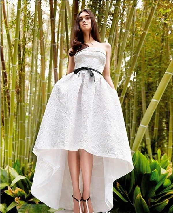 белое короткое платье длинные ноги порно фото