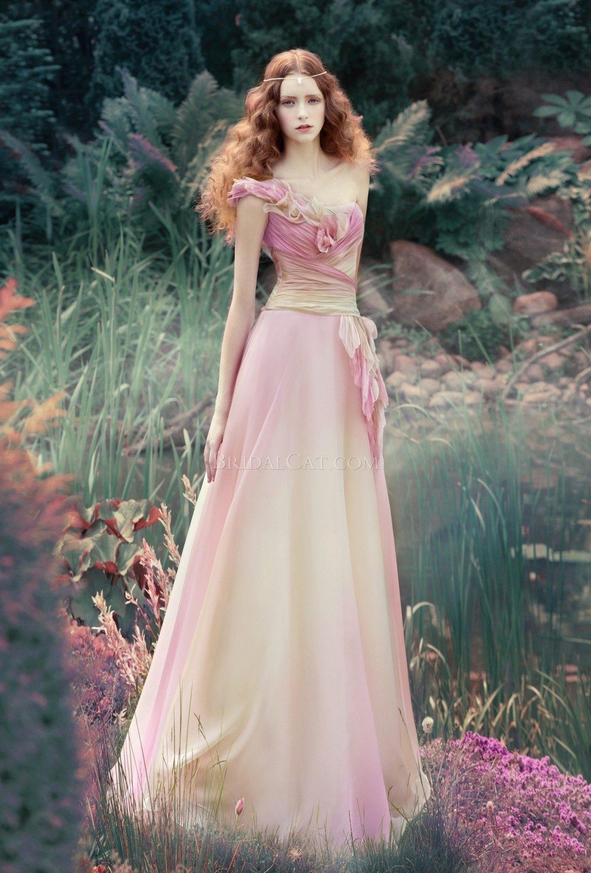 магазин-склад свадебные платья недорого в москве 2012