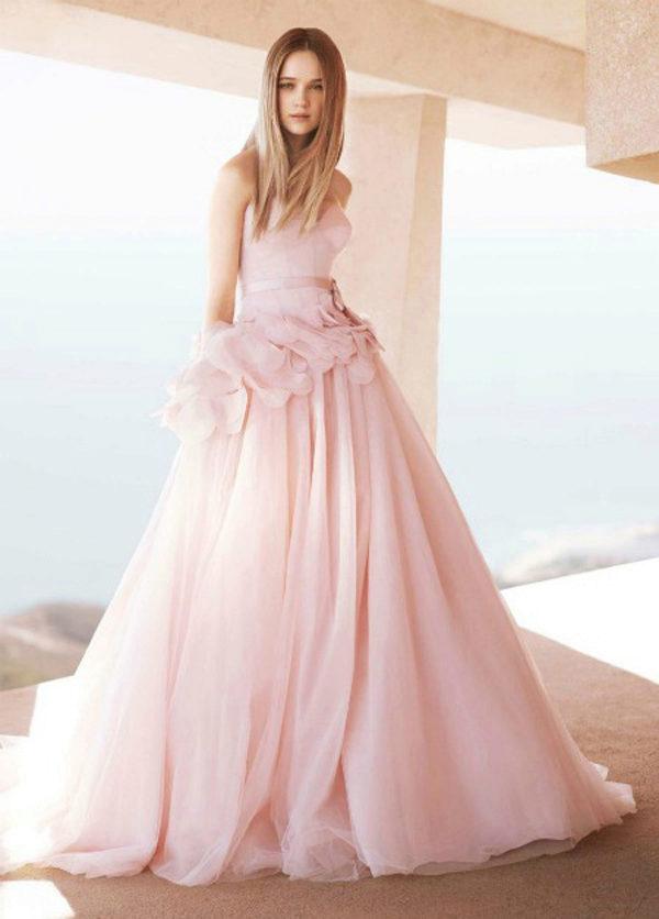Нежно розового цвета свадебные платья