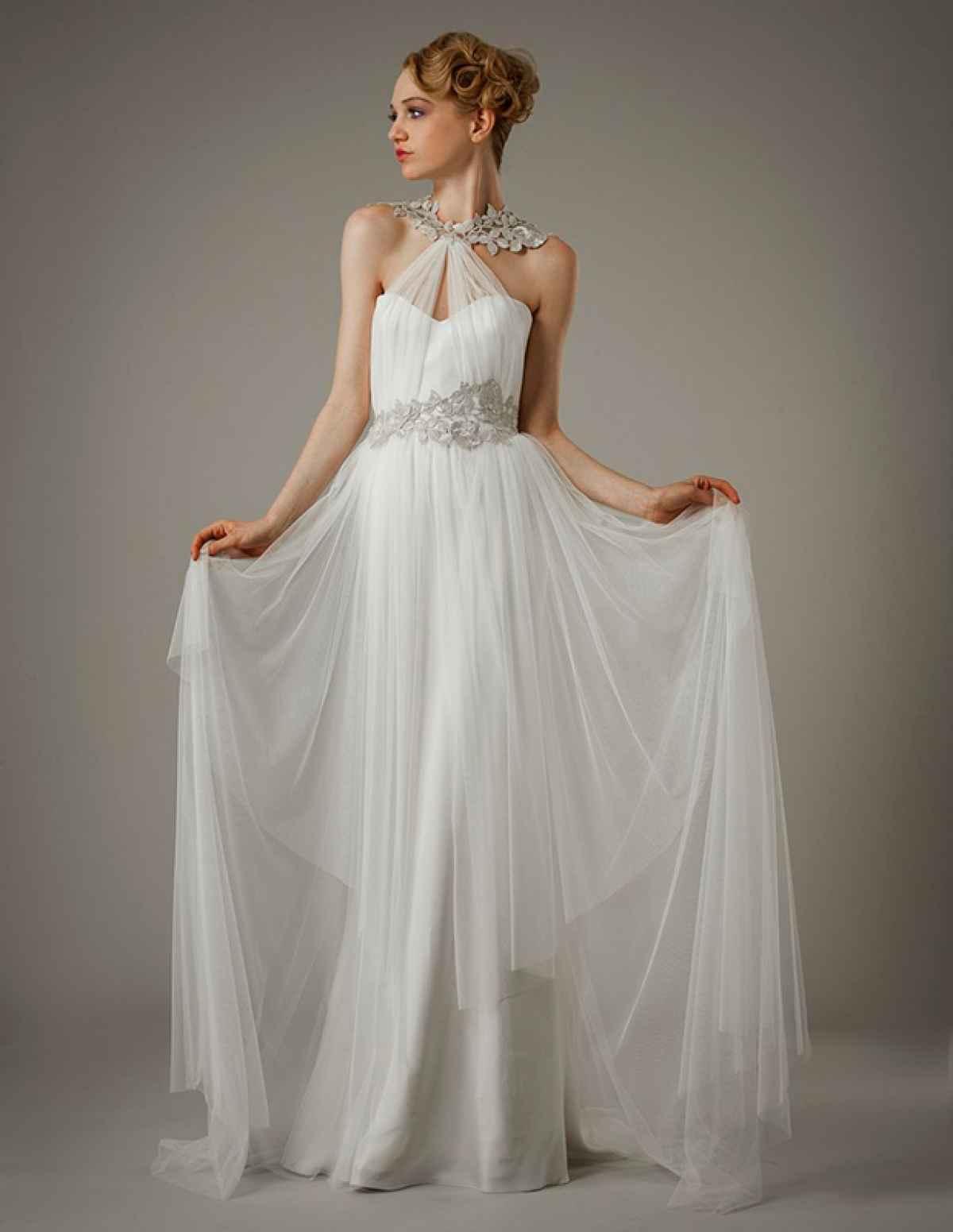 56be5ac5a0c Свадебное платье в греческом стиле с перекрещивающимися бретелями