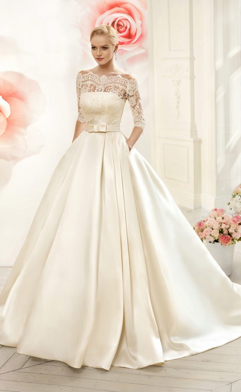 Пышное платье цвета айвори
