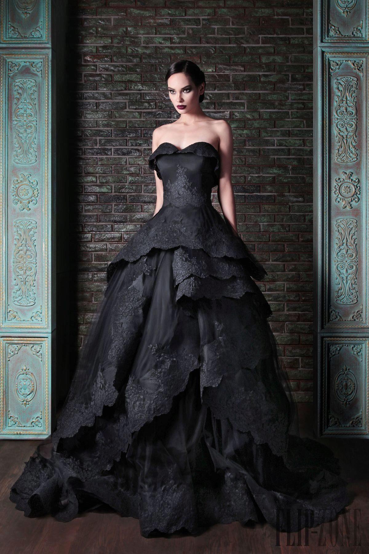 1e0b246afff Черное кружевное пышное свадебное платье