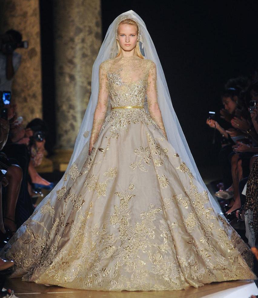 Платья свадебные с вышивкой золотом