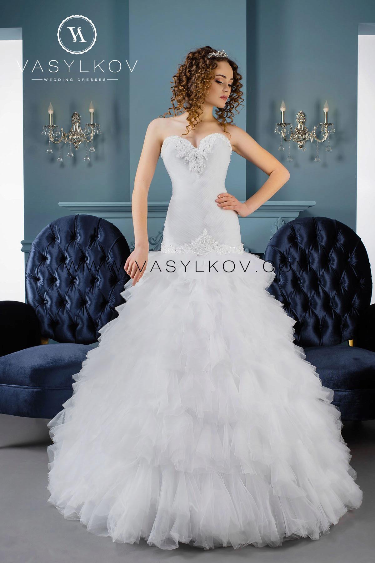 Свадебные платья василькового цвета