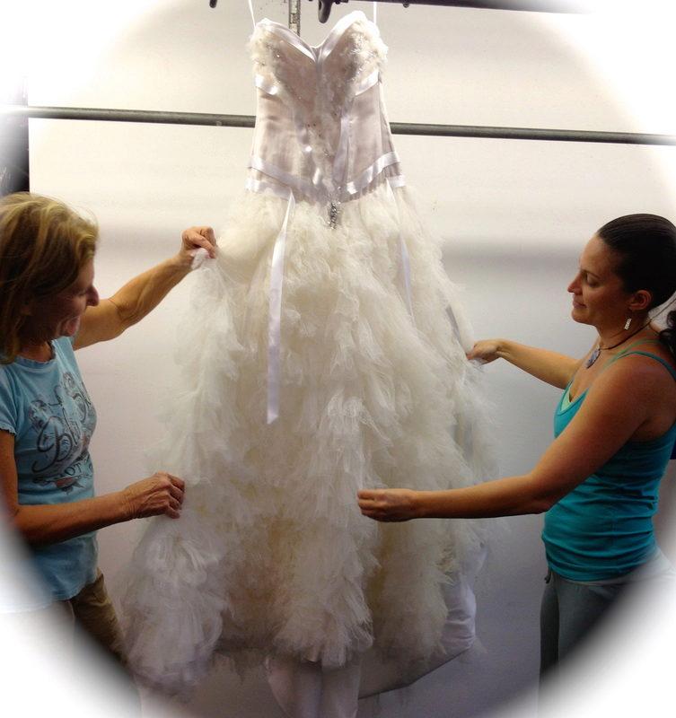 Как почистить свадебное платье фатин в домашних условиях 515
