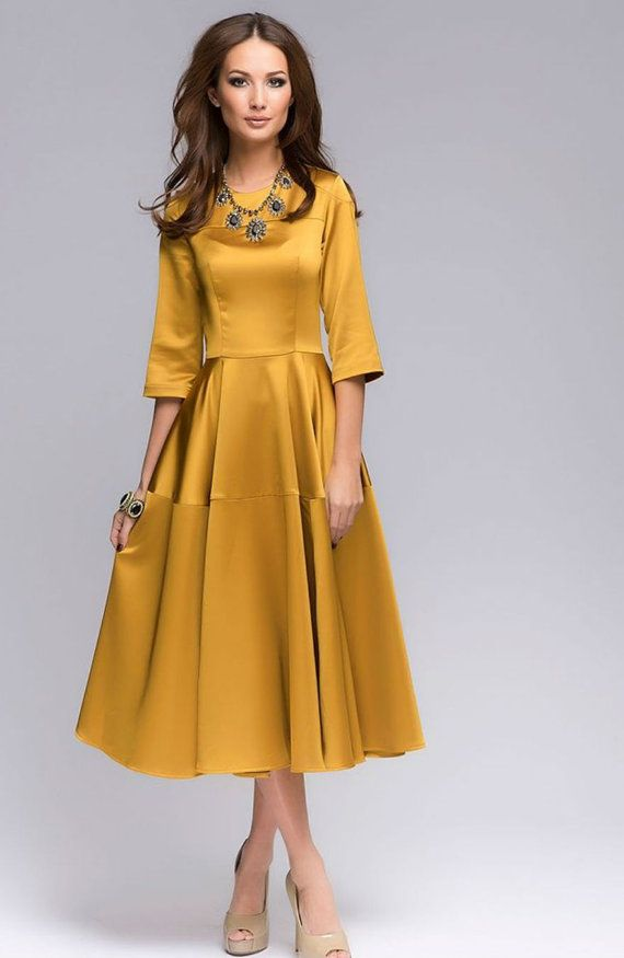 Горчичное платье для полных