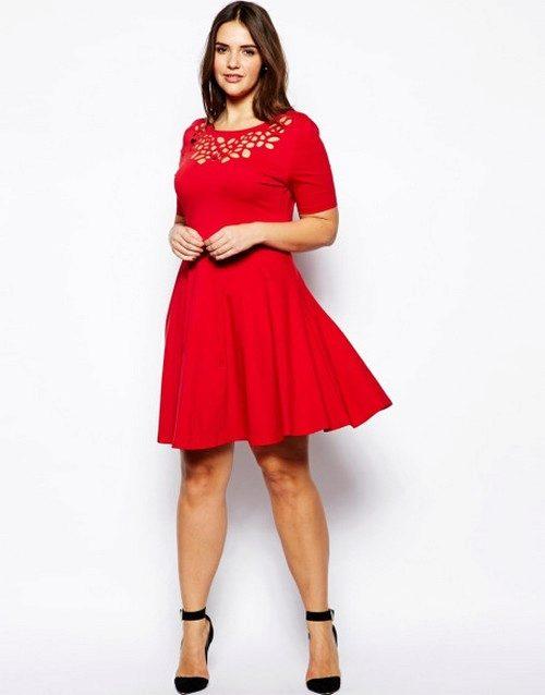 Классическое платье с длинным рукавом 128