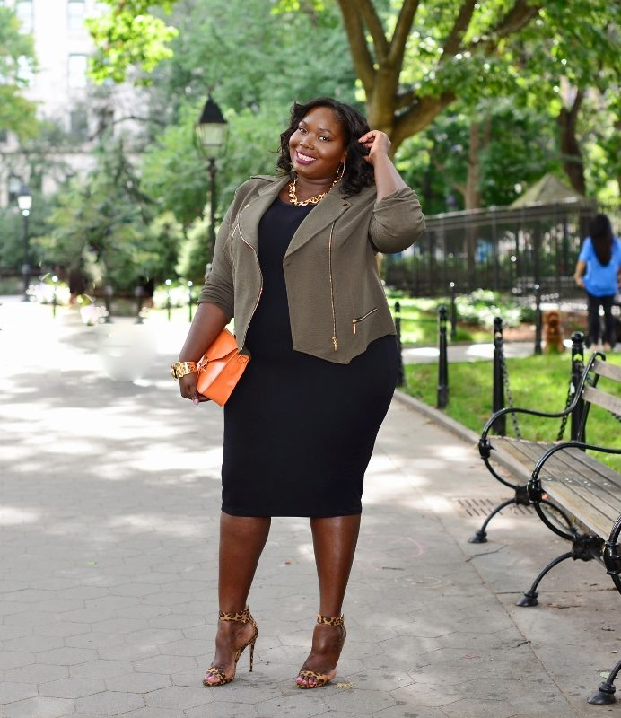 c410a90512f Черное платье-футляр для полных женщин в сочетание с жакетом цвета хаки
