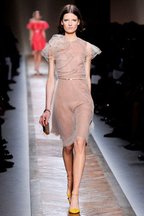 Фото прозрачных платьев на улице