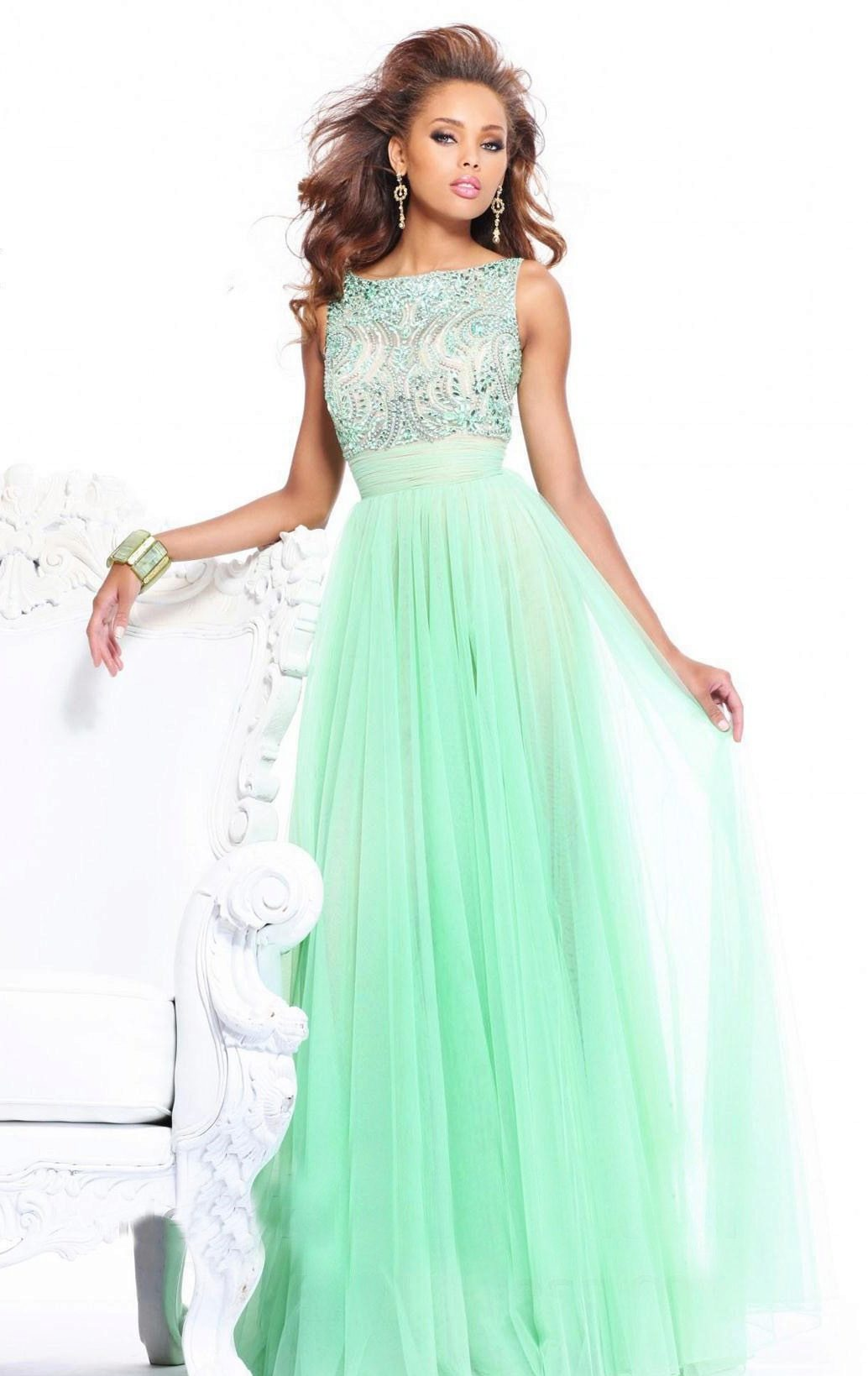 2dea264974d Мятное платье со стразами. В мятном цвете длинные платья ...