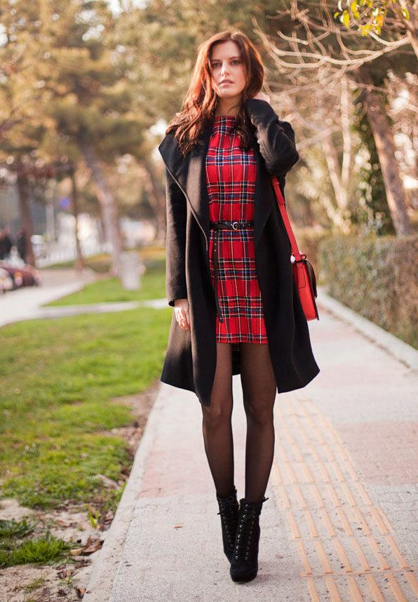 26badb228882294 Красное платье в клетку: шотландка, с черным и белым, длинное и ...