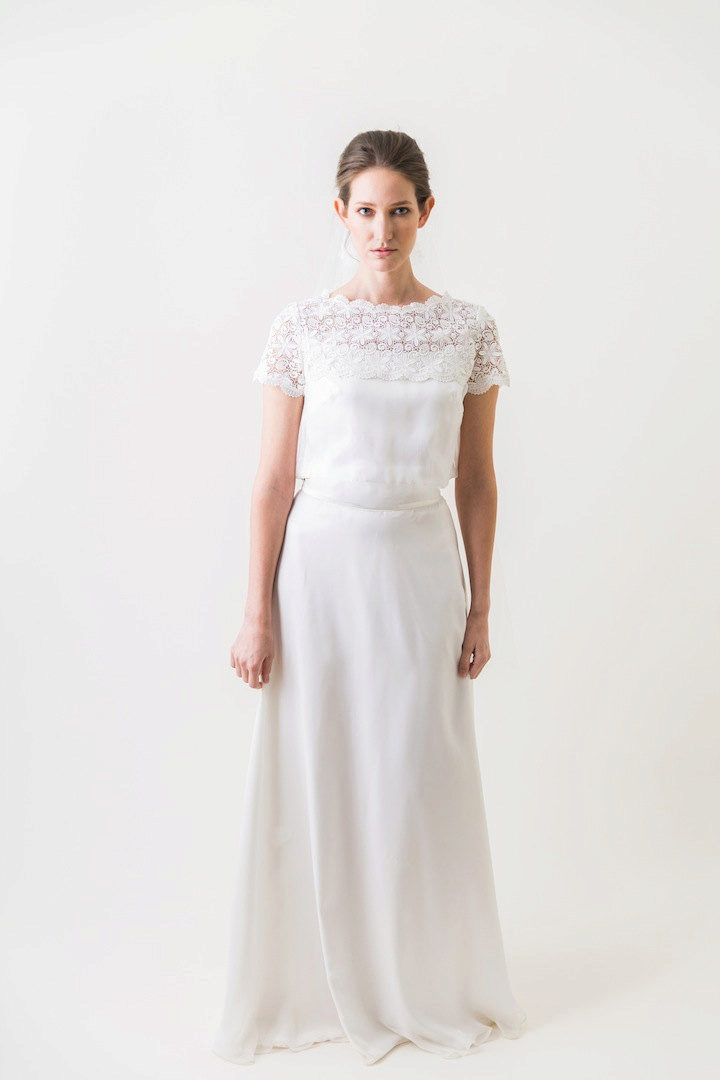 Платья из льна с вышивкой