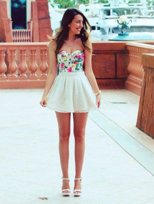 9d34b10fe13 Молодые девушки в платье бэби долл
