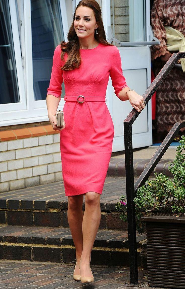 платье красное средней длины фото