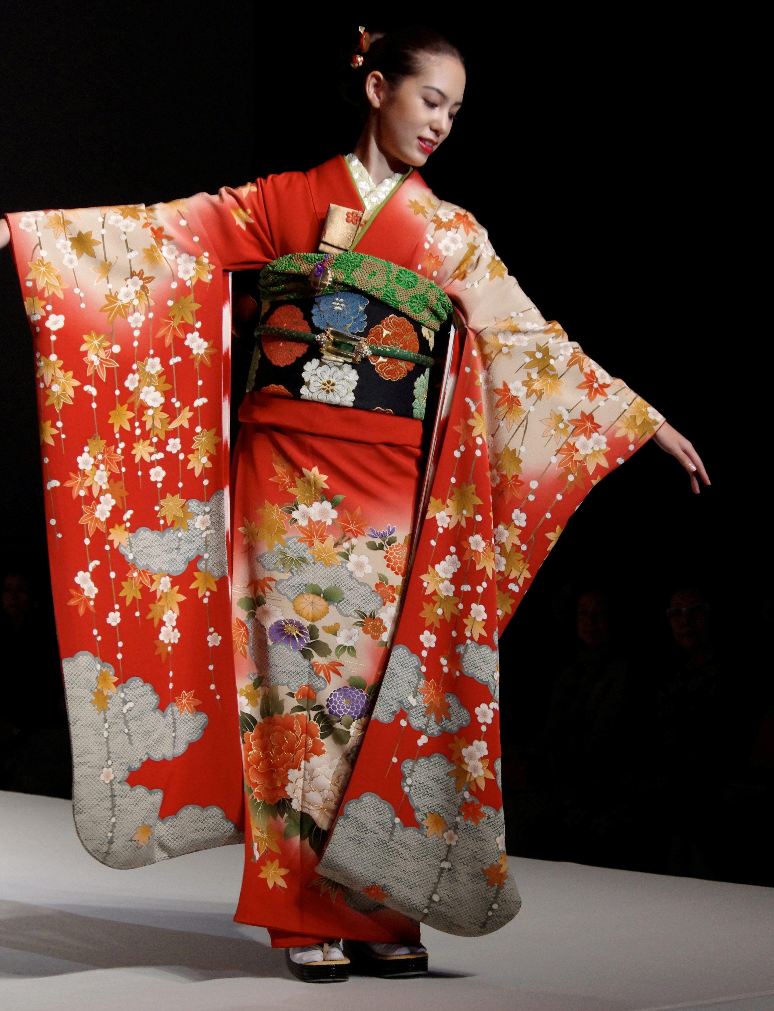 Кимоно — MIUKI MIKADO • Виртуальная Япония