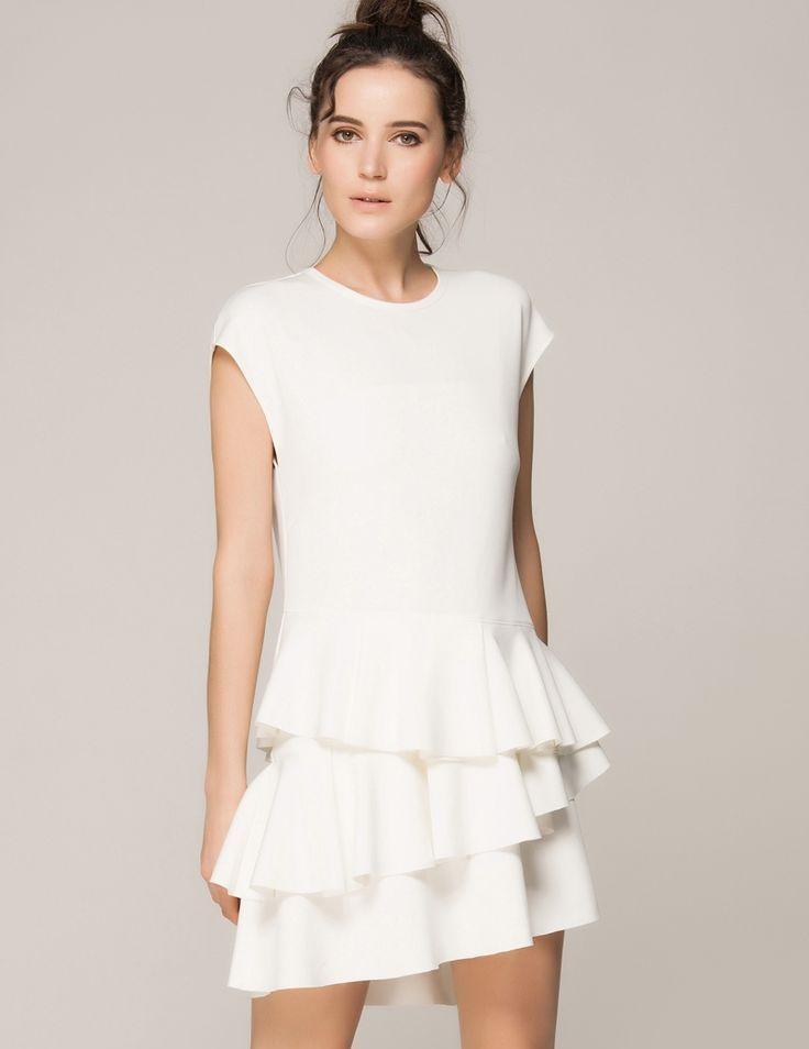 Платье с воланами  на плечах, юбке, рукавах, длинные и короткие ... 8d747c0424c