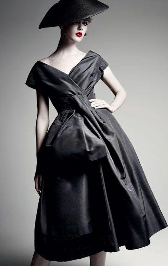 8c48a7eaac0 Платья нью лук  особенности стиля