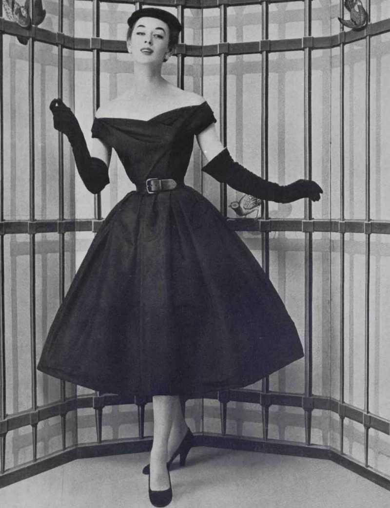 картинки с историческими платьями