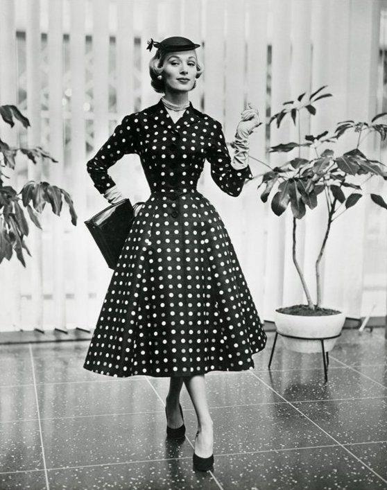 Платья нью лук  особенности стиля, кому подходит и с чем носить (56 ... 58c2ffcbc38